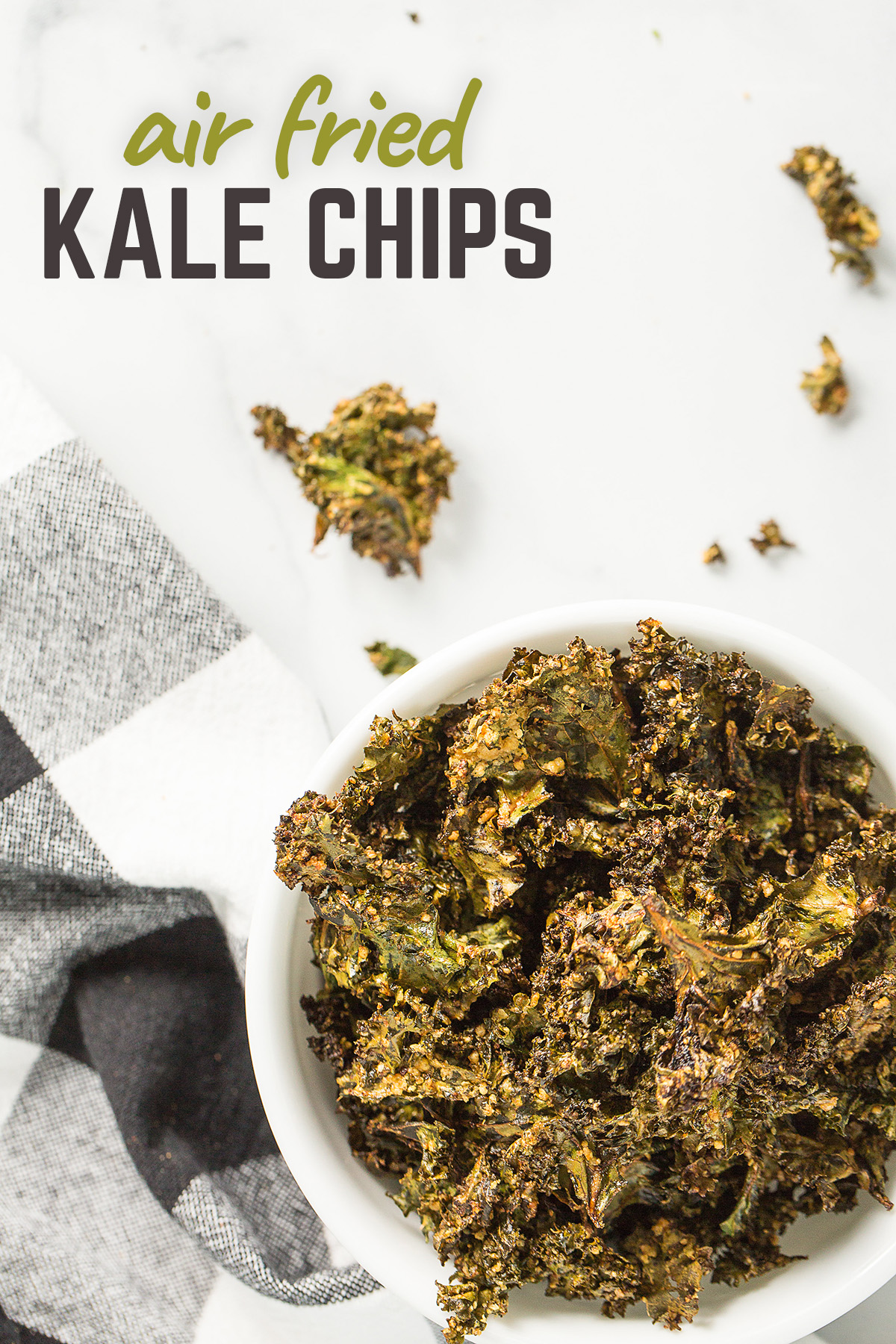 Crispy kale chips are a perfect healthy snack option for your family! #lowcarb #recipes #airfried