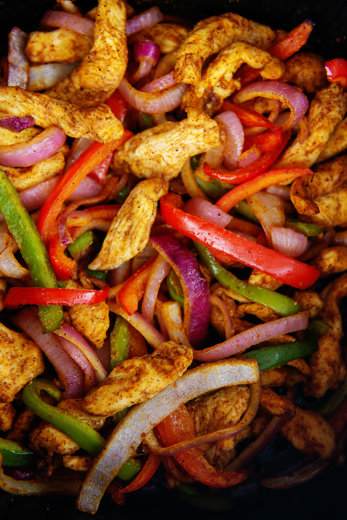 Close up of cooked chicken fajita ingredients